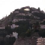 shangri-la-108-vista-desde-carretera-nocturna